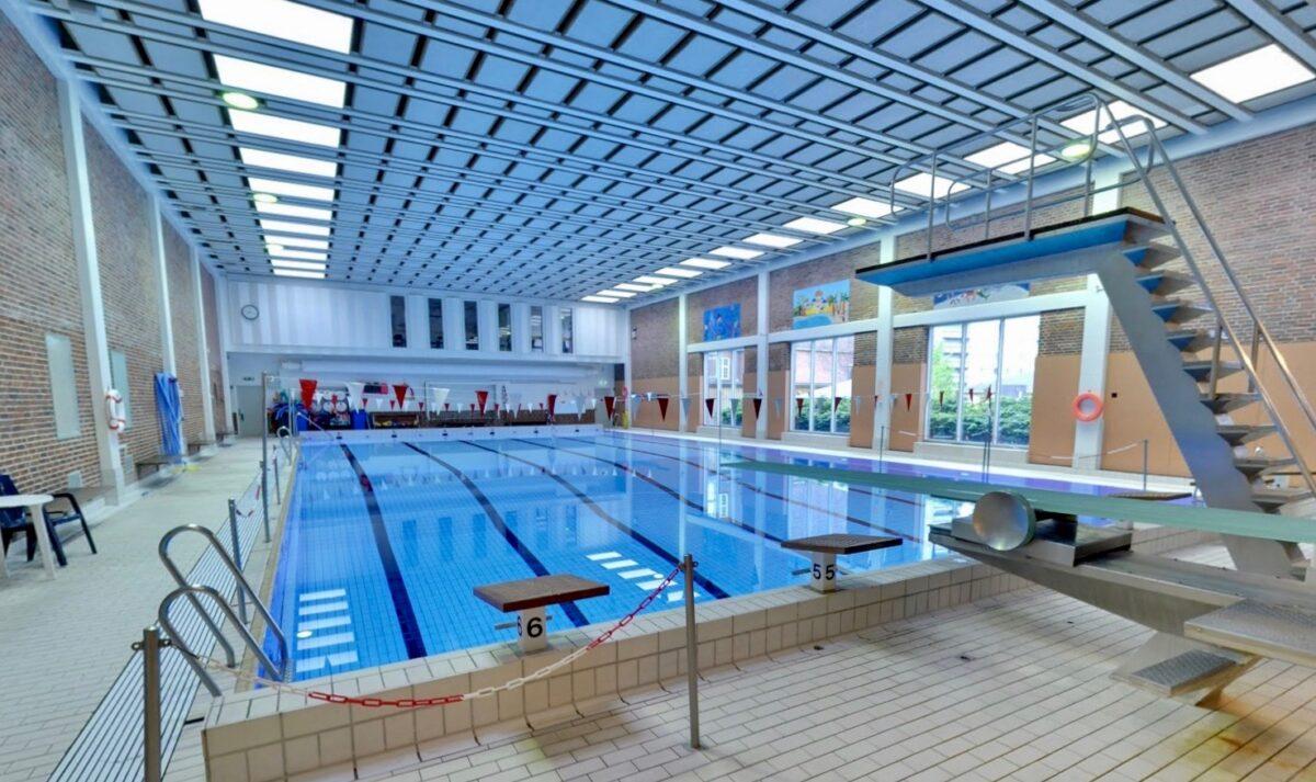 Nu kan du igen melde dig til svømning i Hillerødgade Bad