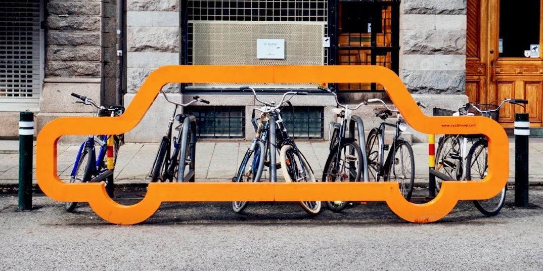 Den Røde Plads får hollandsk cykelstativ