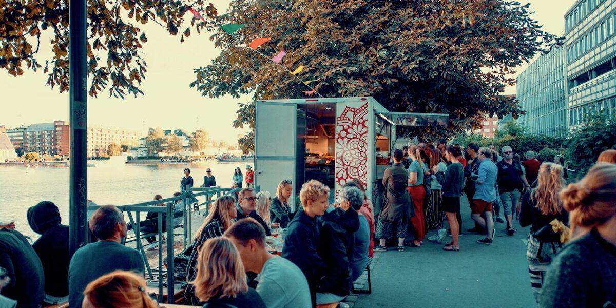 Restaurationsnyt: Street Food, krebsekalas og kaffe med skægstubbe