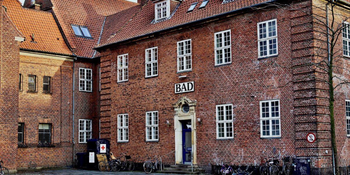 Sjællandsgade Bad genåbner fællesbad efter stormøde