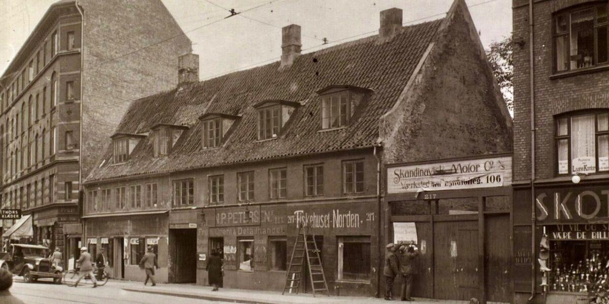 Nørrebrogade 231: Fra landbrug og værtshus til biograf og Elgiganten