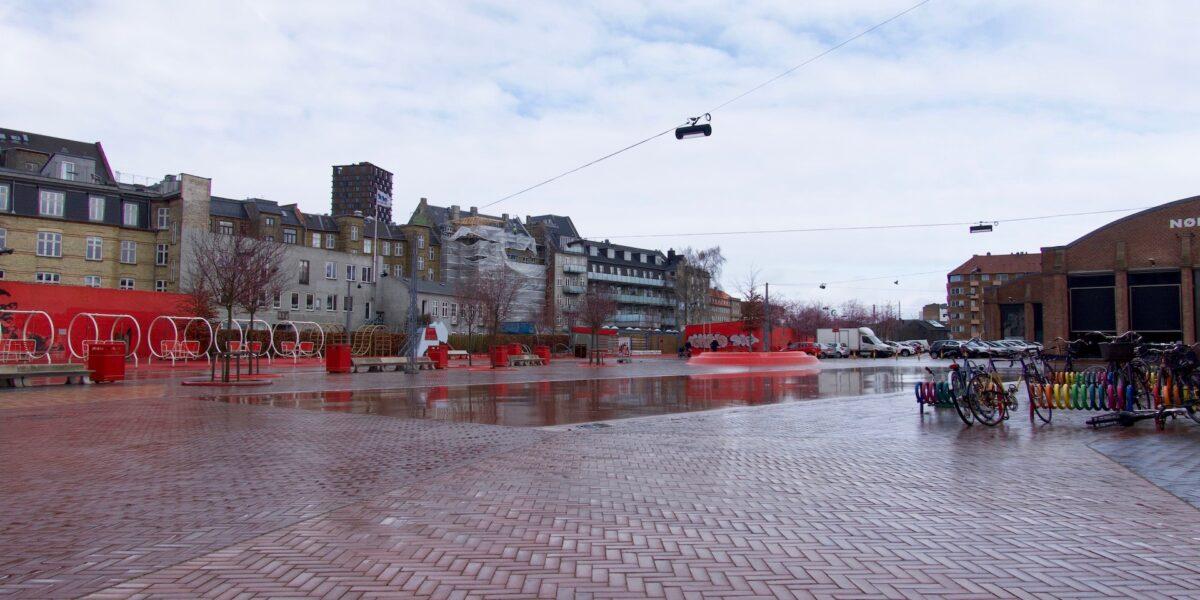 Dag 1 efter corona-nedlukningen – se billederne fra Nørrebro her