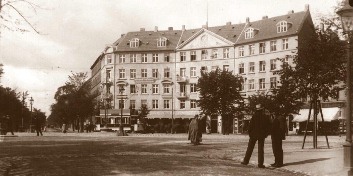 Livet på Runddelen: fra havehus og brandstation til 100 års cafédrift