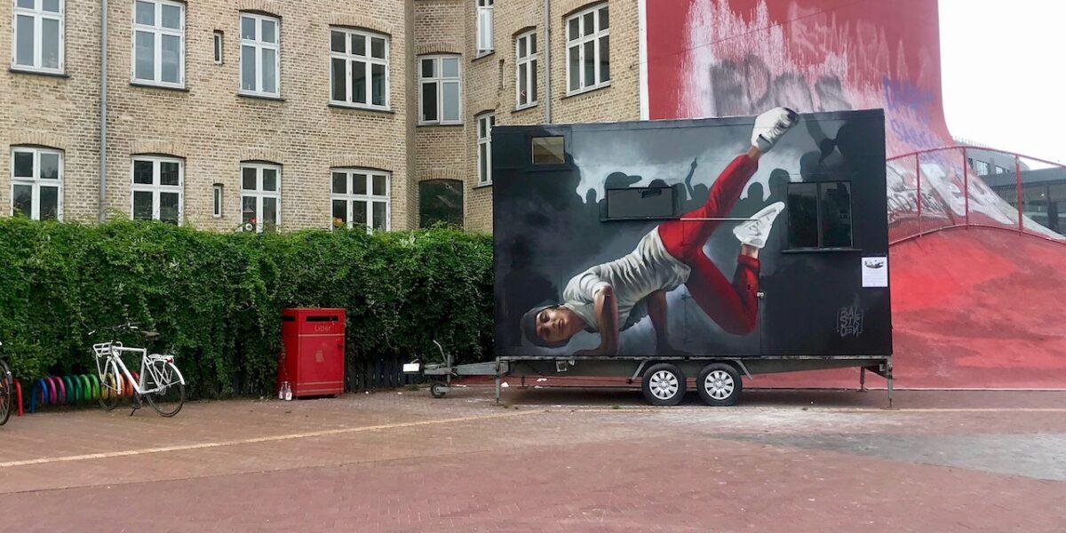 Kom indenfor: Den Røde Plads får nyt minihus til Nørrebros unge