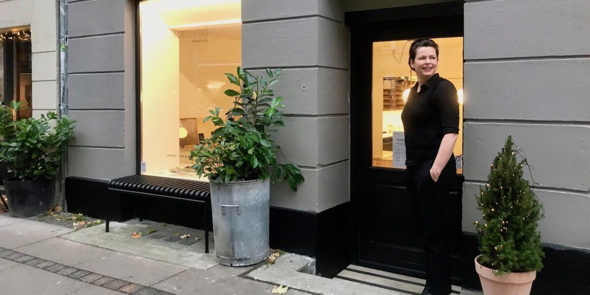 #StøtLokalt: Erfaren smykkedesigner indtager Elmegade