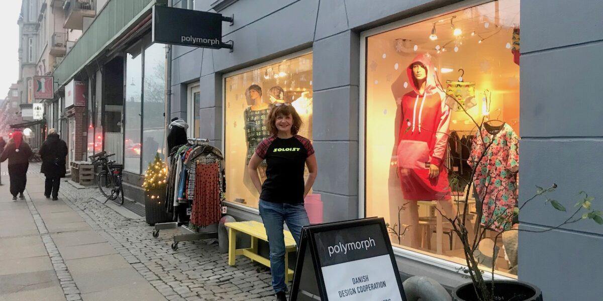 #StøtLokalt: Lokalt designede T-shirts sætter kulør på grå december