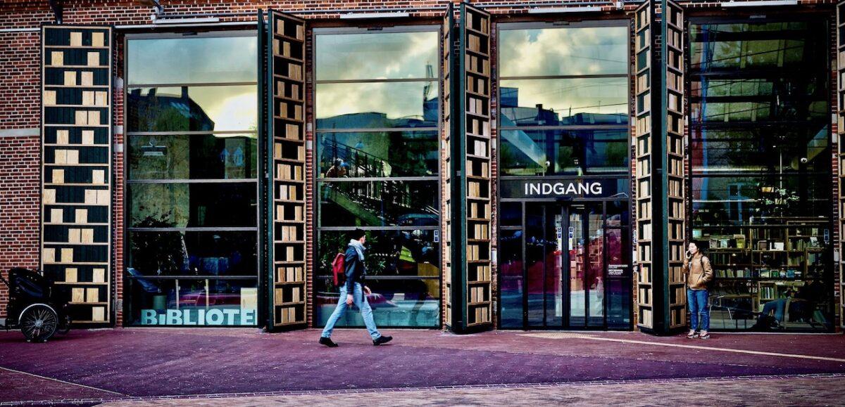 Mere genåbning: Nu kan du igen låne bøger på dit lokale bibliotek