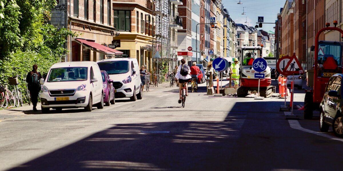 Efter 15 års ventetid: Nu er vejarbejdet i Rantzausgade gået i gang