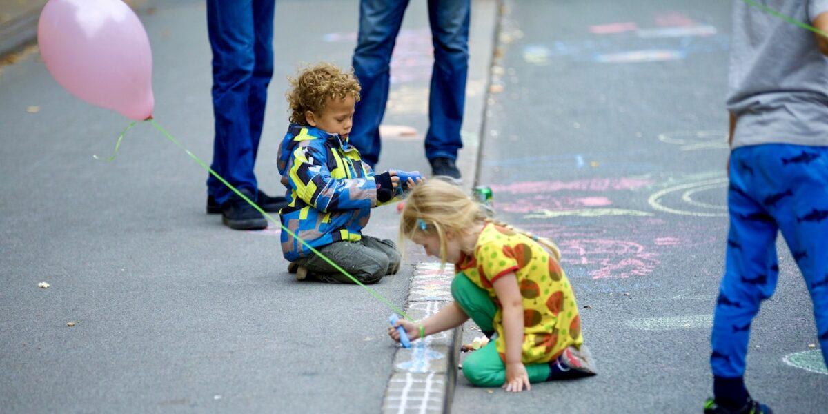 Bilfri Søndag: Klimavenlige løsninger og årets største kridtmaleri